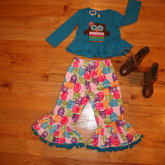 Set of 2 12-18 Mos Aqua and Hot Pink NWT Lace Ruffled Leggings by Mud Pie